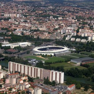 1200px-Aerial_view_of_Stadium_Toulouse